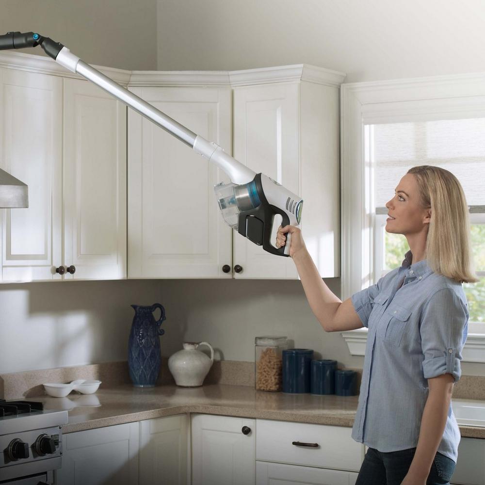 REACT Whole Home Cordless Advantage Vacuum5