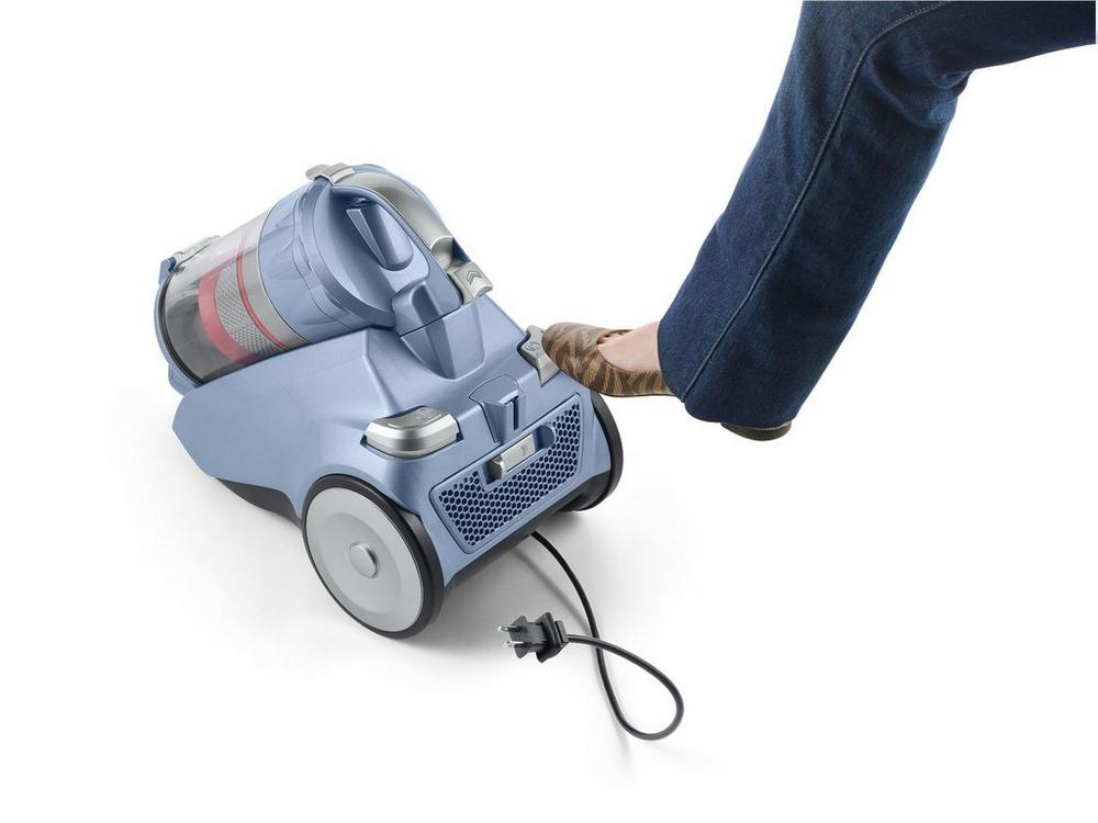 Reconditioned Multi-Cyclonic Canister Vacuum7