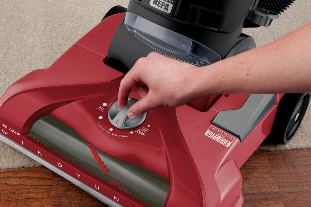 WindTunnel® T-Series™ Pet Rewind Bagless Upright7