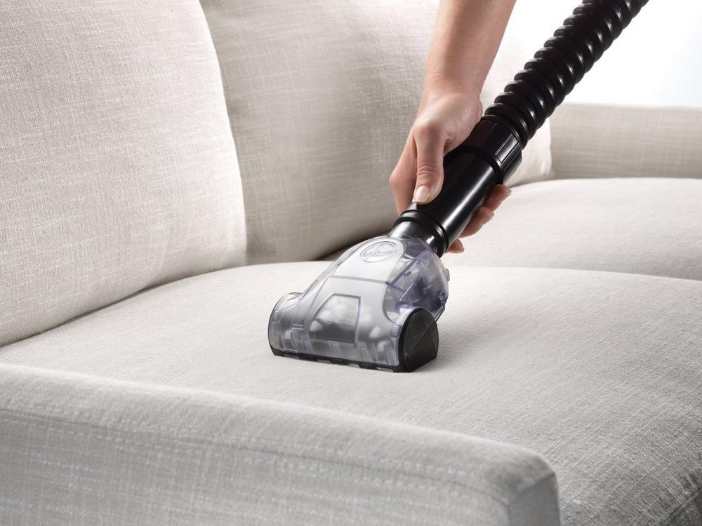 Rewind Bagless Upright Vacuum5