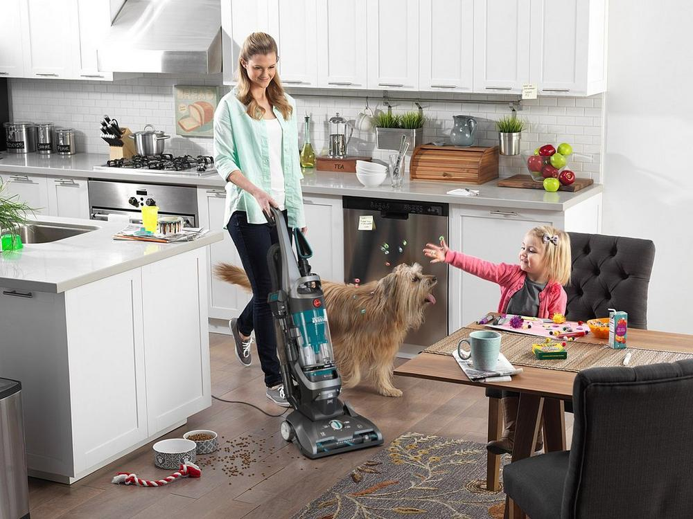 WindTunnel 2 Whole House Rewind Upright Bagless Vacuum2