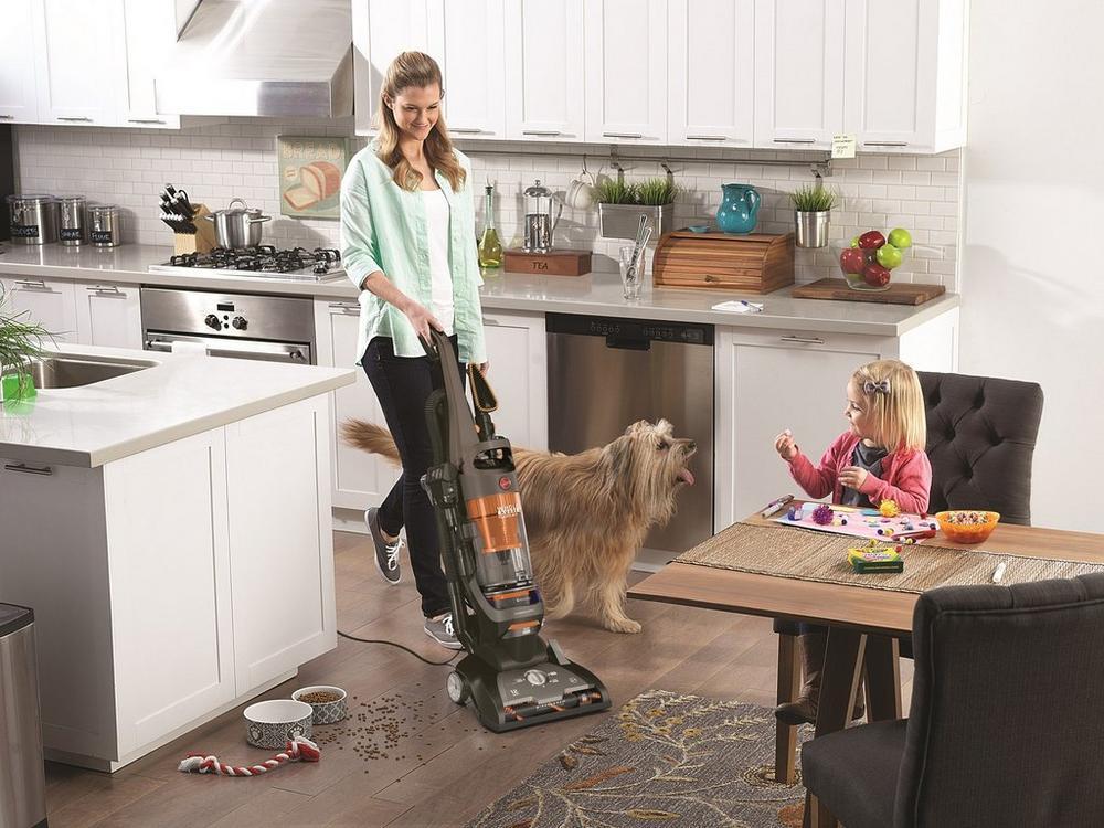 WindTunnel 2 Whole House Rewind Pet Bagless Upright Vacuum2