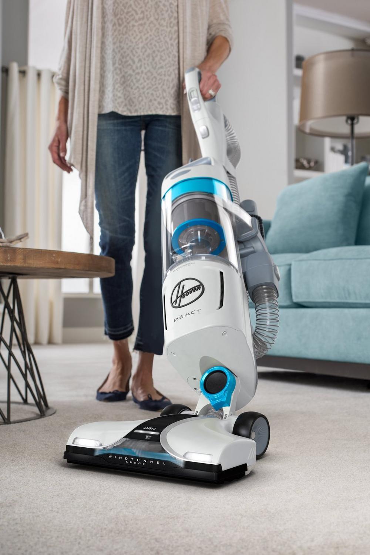 REACT Upright Vacuum6