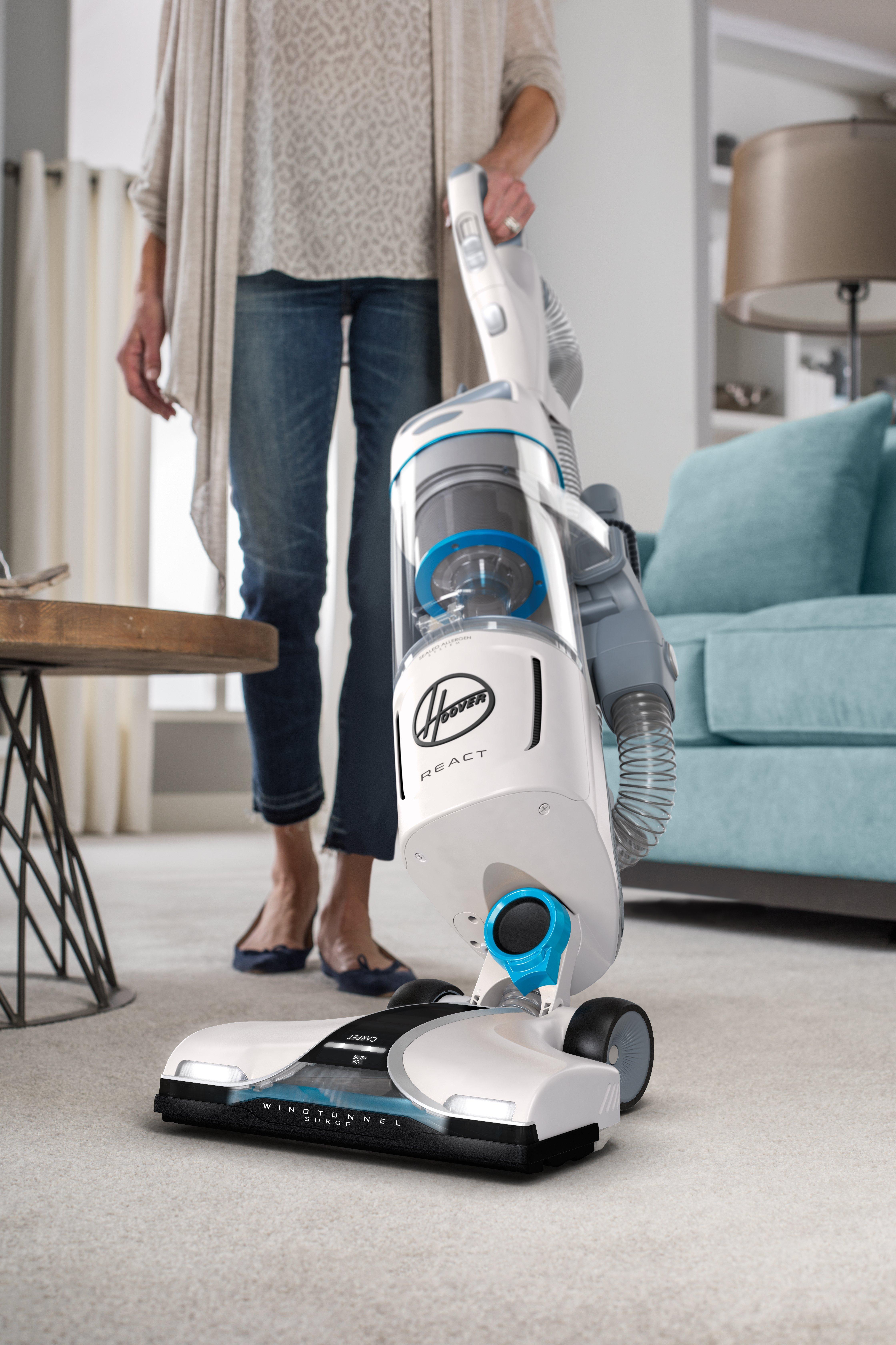 REACT Upright Vacuum41