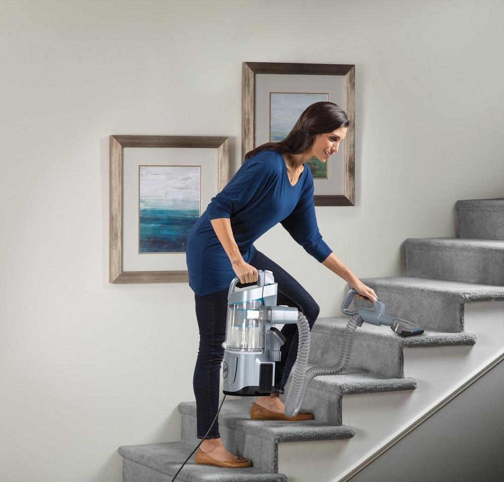 REACT QuickLift Upright Vacuum2