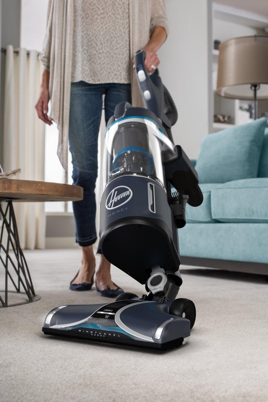 REACT Powered Reach Pet Upright Vacuum6